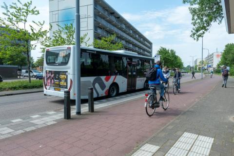 bushalte Regionet in Graan voor Visch (foto: Margo Oosterveen)