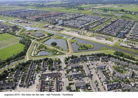 Luchtfoto van Floriande met Overbos op voorgrond (fott: Kees van der Veer)